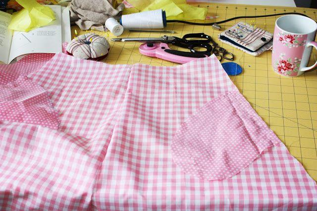 Patron vestido Colette Crepe disponible en sweet sixteen craft store.