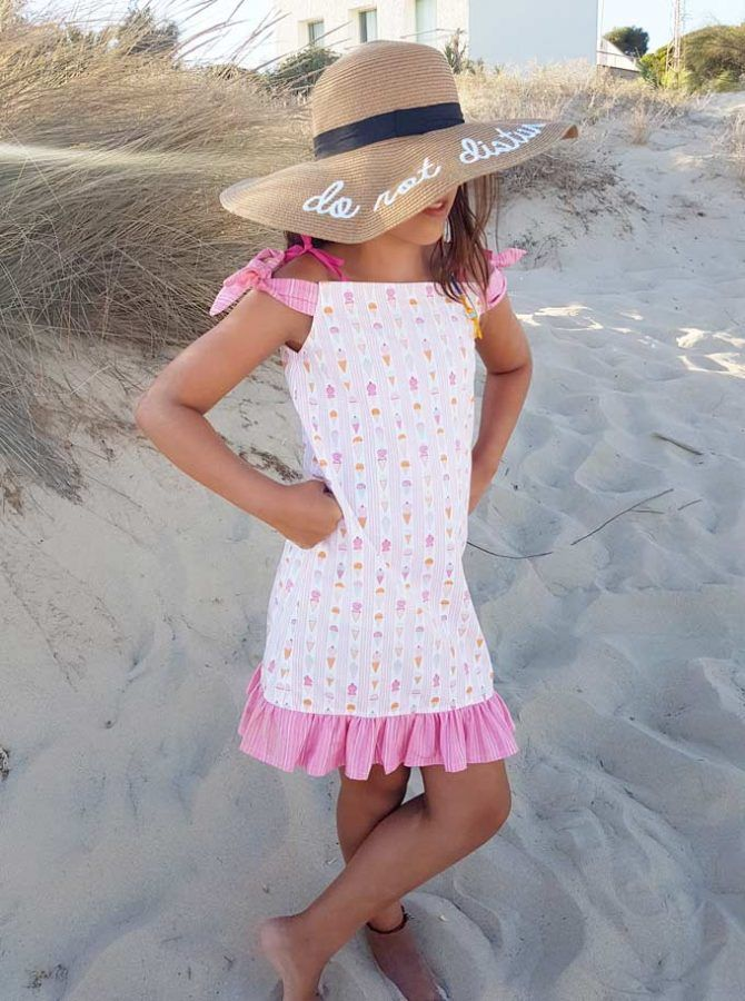 VESTIDO DE NIÑA TIPO PILLOW DRESS